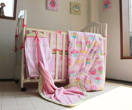 Wholesale Girls Strawberry Bedding - 13 Pieces Pink heart strawberry flowers Children's Bedding Bumper Mattress Cover Bed Skirt Blankets Diaper Bag wall hanging