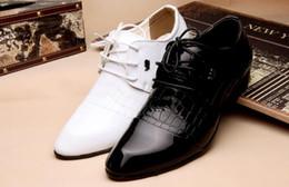 Deutschland Studio Fotos weißes Kleid Schuhe Herren Herren Business Englisch Korean männlichen Jugend spitzen Schuhe Spitze Hochzeit cheap male korean photo Versorgung