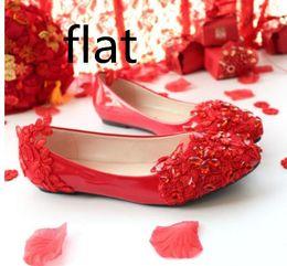 Vestido bordado noiva on-line-Red fundo plano 3 cm 5 cm noiva sapatos de casamento de salto baixo da dama de honra plana handmade cristal rendas vestido de casamento pontudo sapatos bordados