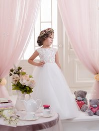 Wholesale dresses children girl plus size - 2016 White Flower Girl Dress Ball Gown Bateau Capped Sleeved Backless Plus Size Party Dress For Children With Bow