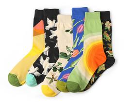 Nuevos éxitos online-Europa y los Estados Unidos marea nueva calcetines personalidad graffiti hit serie de flores y pájaros figura calcetines de algodón medias de los hombres