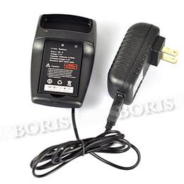 Wholesale Dualband Vhf - Wholesale-BaoFeng UV-3R Plus DualBand Display Two Way Radio VHF 136-174   UHF 400-470MHz Walkie Talkie FM Radio Flashlight,Black