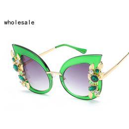 Wholesale Large Cat Eye Sunglasses - Fashion ladies sunglasses large frame rhinestone designer luxury gem cat eye ladies sunglasses UV400 OK186 6698