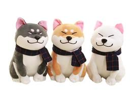 Bufandas para perros online-25 cm de desgaste bufanda Shiba Inu perro muñeca japonesa Doge Dog relleno de peluche suave Animal juguetes de peluche lindo regalo del bebé