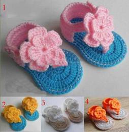 beaa0b095 4 estilos de ganchillo sandalias bebé venta! Zapatos del niño de la  muchacha para el verano