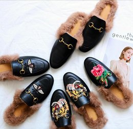 Wholesale Shoes Ladies Outdoor - Fur Slippers Winter Brand Designer Shoes Ladies Embroidery Flower Horsebit Slingback Casual Shoes outdoor slippers Leather Women fast ship
