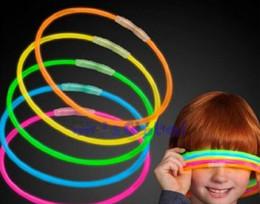 2019 colares variados Glow Stick Light Up Colares Glow sticks Lumi Stick Cores sortidas desconto colares variados