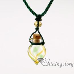 Canada diffuseur d'huiles essentielles colliers en gros fabriqués à la main en verre aromathérapie diffuseur colliers huiles essentielles bijoux Offre