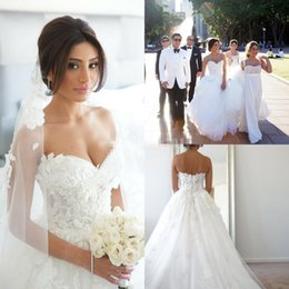 Wholesale Sexy Glamourous Wedding Dresses - Glamourous Lace Wedding Dresses 2015 Sweetheart Appliques Zipper Back Court Train Flowers Vintage Ball Gown Bridal Gowns Plus Size