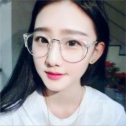 76fb66ac7af Gros-2016 Grade Vintage Cat Eye Eyewear Frames lunettes lunettes montures  de lunettes pour femmes Hommes Plain Mirror Lady monture de lunettes