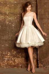 Wholesale Dresses For Young Girls - 2015 Ivory Knee Length Cocktail Dresses for Young Girl Graduation Gowns Stain A Line Special Occasion Dresses Short Prom Dresses