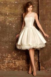 Canada Robes de cocktail de longueur de genou d'ivoire 2015 pour les robes de graduation de jeune fille tache une ligne robes d'occasions spéciales courtes robes de bal Offre