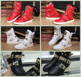 Wholesale Mens Chain Sizes - 2017 Italy Brand Mens Leather Boots Luxury Medusa Shoes Chain Buckles Leather Brand Custom Designer Sneakers Size 36-47
