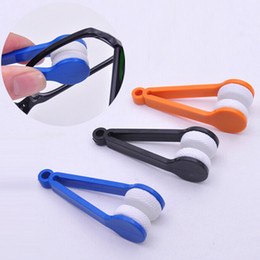 Wholesale Wholesale Glass Cleaners - 10 PCS Sun Glasses Eyeglass Microfiber Brush Cleaner New Random Sending Eye Glass Sunglasses Lens Cleaning Wipes Cleaner CYB30