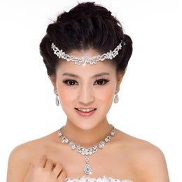Wholesale Cheap Tiara Sets - 2015 Fashion Bridal Wedding Hair Jewelry Rhinestone Necklace & Earrings & Crystal Tiaras Sets Bride Wedding Accessories Cheap