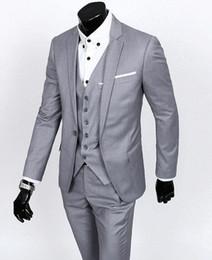 Custom Made Slim Fit Tuxedos Groom Gris clair Meilleur homme Costume Cran Revers Groomsman Hommes Costumes De Mariage Époux (Veste + Pantalon + Cravate + Gilet) ? partir de fabricateur