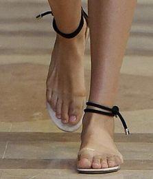 2017 mujeres de la moda de verano claro pisos abiertos punta del tobillo correa de PVC zapatos de tacones planos transparentes sandalias de plástico tamaño eu 34-39 desde fabricantes