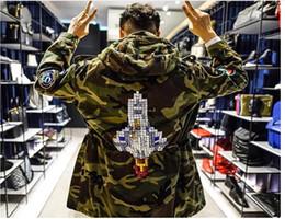 Al por mayor-PROVERGOD Hot Mens Chaquetas de camuflaje extendido Hip Hop Otoño Moda Rocket bordado Army Coats Casual Brand Clothing desde fabricantes