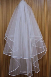 Wholesale Stain Flower - Cheap Exquisit Short Bridal Veil Netting Two Layers With Comb With Ribbons Stain edge Wedding Veil Wedding Accessories White Ivory