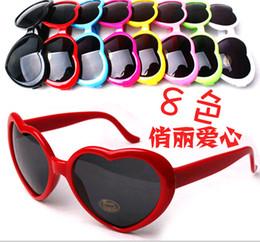 Wholesale Beautiful Womens - factory sales Beautiful beach sunglasses womens sunglasses Heart-shaped sunglasses mens sun glasses Heart