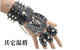 Wholesale Skull Nail Designs - Wholesale-New design Punk nightclub club party black leather skull nail glove for men and woman