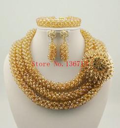 Zarte 3 Schichten Goldkorallen Nigerianischen Hochzeits Afrikanische Perlen Schmuck Set Dubai Korallen Brautschmuck Set Freies Verschiffen ST302-4 von Fabrikanten