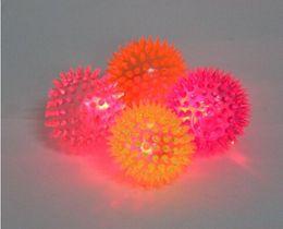 2019 led produits en plastique Assurez le son en caoutchouc couleur changeante lumière balle rebondissante led jouet clignotant led clignotant ballon bouffante balle de massage 96pcs lots gratuit EMS