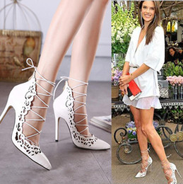 Wholesale Heels Retro White - Celebrity shoes 2016 retro carved lace up shallow mouth pointe pumps nude white wedding shoes zapatos size 35 to 40
