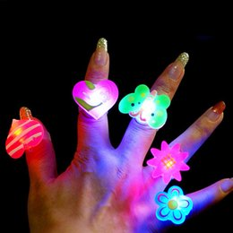 Wholesale Wholesale Toy Plastic Animals - 100pcs Colors Blinking LED Light Up Jelly Finger Rings Party Favors Glow Rings Children'Day High Quality HY027