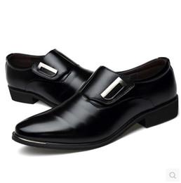 Canada Chaussures habillées pour hommes en cuir verni à la mode, chaussures à lacets pour hommes occasionnels Weddng, chaussures pour hommes de haute qualité cheap casual mode men Offre