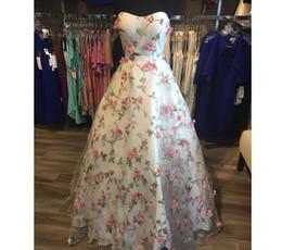 2019 robe florale occasion spéciale Robes De Cérémonie Courtes 3D Robes Florales Robe De Soirée Sans Bretelles Retour 2018 robe florale occasion spéciale pas cher