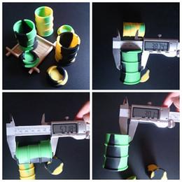 Contenedores de silicona barril de aceite online-Frasco contenedor de barril de aceite de silicona frasco vaporizador de cera Aceite de goma tambor en forma de contenedor 26ml Herramienta de dabber de hierba seca de silicona grande aprobada por la FDA