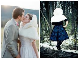 vestido de casamento marfim de peles Desconto Nupcial Mini Cape Faux Fur Marfim Capelet primavera inverno curto capas de noiva / wraps Vestidos de noiva acessórios com capuz