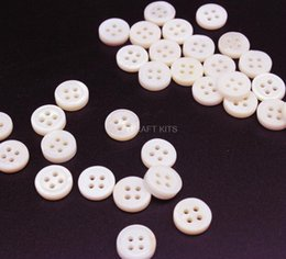 """Wholesale Wholesale Buttons Bulk - 500pcs Bulk Lot brand new vintage style Small Mother of Pearl Buttons 3 8"""" 10mm 4 holes natural cream shell buttons"""