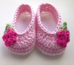 Wholesale Decorations For Shoes Babies - 2015 Fashion HandmadeCrochet baby first walk shoes Crochet baby shoes for babies age 0-3 months. Pink with white sole. Flower decoration