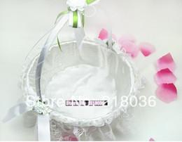 Canasta de flores de novia online-Blanco Circula Encaje de La Boda Cestas de La Boda Decoración Fiesta de la Novia Suministros Ceremonia Caso Satén Bowknot Flor Cestas N1445