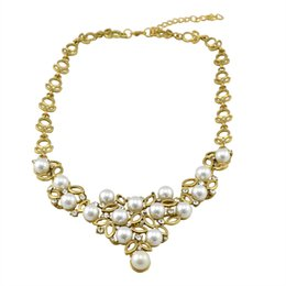 Wholesale Pearl Statement Vintage Collar - Vintage Jewelry Hollow Gold Plated Necklace Fashion Rhinestone Pearl Collar Necklace & Pendant Statement Necklace Women
