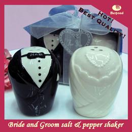 2PCS / SET faveurs de mariage et cadeaux pour les invités de la mariée et le marié en céramique salière et poivrière pour les souvenirs de fête ? partir de fabricateur