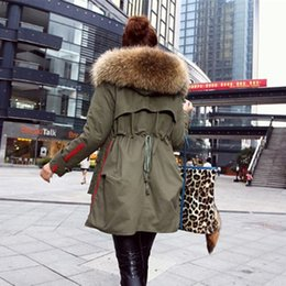 Wholesale Women Down Parka Fur Lined - Wholesale-New Winter Coats Women Jackets Real Large Raccoon Fur Collar Thick Cotton Padded Lining Ladies Down & Parkas army green