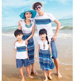 2019 família, vestido, alikes, mãe, filha Novo vestido de família T-shirts para os pais das crianças amantes boêmio impresso praia vestido longo mãe filha vestidos combinando