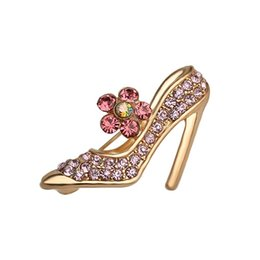 Wholesale Studded Shoes Wholesale - women Studded with full of pink rhinestone High heels Brooches High heeled shoes pin Cinderella Crystal shoes Brooch pins Corsage Thorn 045