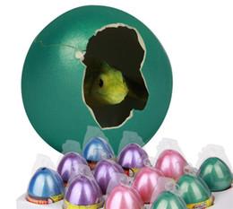 2019 esperimenti automobilistici Uovo di dinosauro Regali di Natale dinosauro uova Giocattoli magico divertente cova crescono in acqua Pet Egg Giocattoli per bambini regalo dei capretti Giocattolo Tutti Beyblade partito