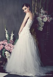Wholesale Gold Allure Bridal - Romant 3D-Floral Appliques Wedding Dresses A Line Sweetheart Spring Beach Wedding Gowns Custom Made Wedding Dress Allure Bridal Gowns