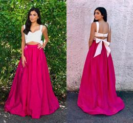 Mais tamanho vestido branco rosa quente on-line-Hot Pink White Satin Prom Dresses V Neck Bow Plus Size Backless Long Prom Dresses Moda Simples Fuchsia Two Piece Evening Dresses