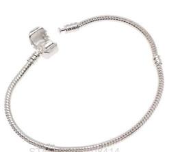 Argentina Moda Nueva Europea plateó la cadena de la serpiente PAN pulseras brazaletes estampado Crown Logo corchete para DIY mujeres encantos de los granos Suministro