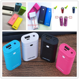 Wholesale Usb Emergency Battery Charger Flashlight - USB Emergency Protable 2 AA Battery Power Bank charger case box with Led Flashlight for cell phone without battery