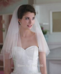 Wholesale Short Bridal Layer Veil - 2016 In Stock Two Layers Short Soft Tulle Cut Edge Wedding Veils with Comb Cheap Bridal Accessories New Arrival