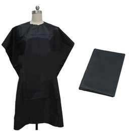 Wholesale Hair Cutting Clothes - 2015 New Hairdressing Barbers Salon Cape Hair Cut Hairdresser Cape Gown Cloth Waterproof Clothing for Hair Cutting Easy to Clean