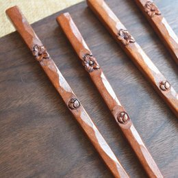 2019 legno artigianale 23 cm Stile Giapponese Intagliato A Mano Prugna Fiore Giuggiola Legno Mestiere di Legno Bacchette Da Tavola Regali Spedizione Gratuita ZA5487 sconti legno artigianale