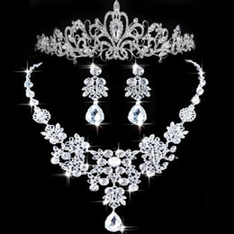 Wholesale Tiara Necklace Set Pearl Crystal - 2015 Rhinestone Tiara Necklace Earring Set Bridal Wedding Accessories Party Jewelry Wedding Accessories Hgyuhg In Stock Free shipping